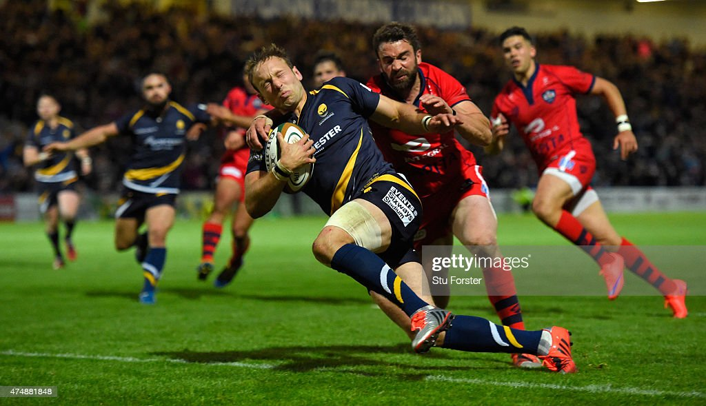 Bristol Flyhalf Nicky Robinson fails to stop Worcester fullback Chris Pennell crossing for the last try during the Greene King IPA Championship final...