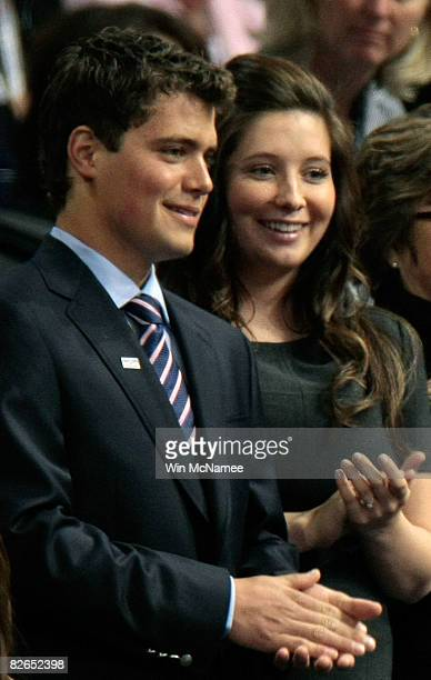Bristol Palin daughter of presumptive Republican US vicepresidential nominee Alaska Gov Sarah Palin and her boyfriend Levi Johnston stand together on...