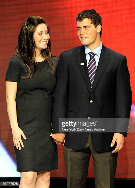 Bristol Palin daughter of presumptive Republican US vicepresidential nominee Alaska Gov Sarah Palin and her boyfriend Levi Johnston stand on stage on...