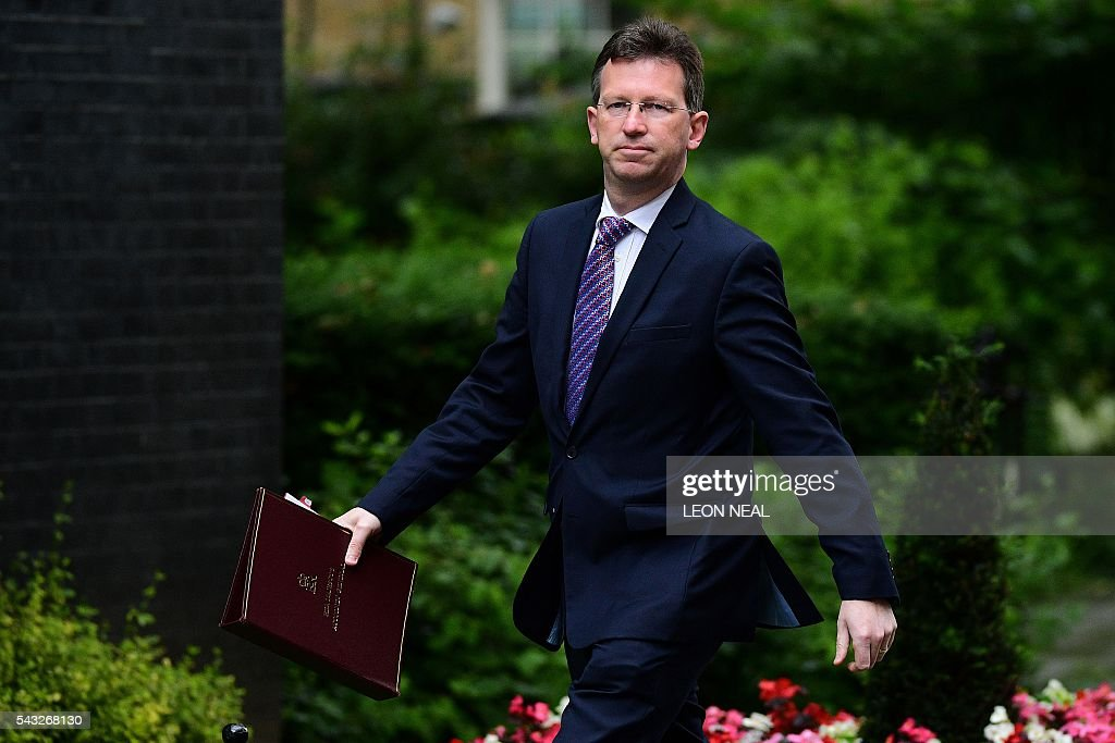 Britain's Attorney General Jeremy Wright arrives to attend a cabinet meeting at 10 Downing Street in central London on June 27, 2016. European stock markets mostly slid Monday as British finance minister George Osborne attempted to calm jitters after last week's shock Brexit referendum. Britain's surprise referendum decision to leave the European Union wiped $2.1 trillion off market valuations on Friday and sent the pound collapsing to a 31-year low against the dollar. / AFP / LEON
