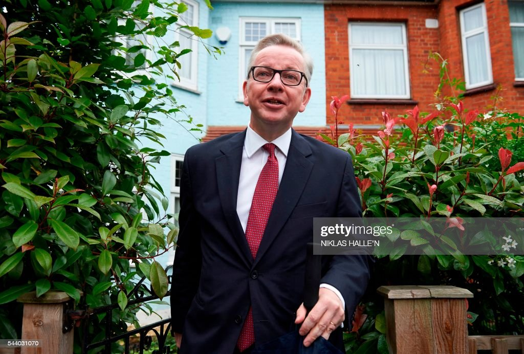Brtain's Justice Minister Michael Gove leaves his home in London on July 1, 2016. A bespectacled intellectual with a low-key public image, Michael Gove emerged as an unlikely force behind the Brexit campaign and a wily political player after rebelling against his former friend and ally, Prime Minister David Cameron. / AFP / NIKLAS HALLE'N
