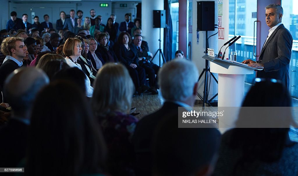 Britain's Labour party candidate for London Mayor Sadiq Khan, speaks to supporters during a campaign event at the Royal Festival Hall in London on May 3, 2016. Londoners choose their new mayor on May 5, 2016, after a straight fight between rival candidates Zac Goldsmith and Sadiq Khan dominated by negative campaigning. / AFP / NIKLAS HALLE'N
