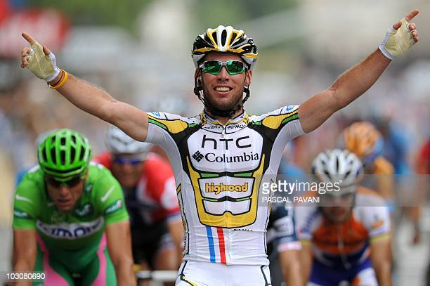 Britain's Mark Cavendish celebrates on the finish lineas he wins ahead of Italy's Alessandro Petacchi the 1025 km and last stage of the 2010 Tour de...