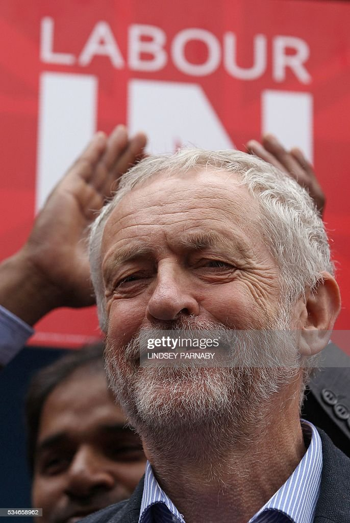 Britain's opposition Labour Party leader Jeremy Corybn arrives to deliver a speech on the merits of Britain remaining in the European Union (EU), in Doncaster on May 27, 2016. With just under four weeks to go until the June 23 referendum, the Remain camp is on 53 percent and the Leave campaign on 47 percent, according to the What UK Thinks website's average of the most recent six opinion polls. / AFP / Lindsey Parnaby