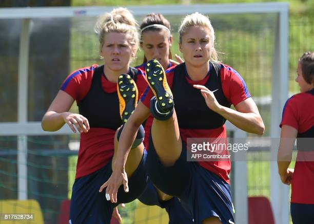 Britain's players take part in a training session during the UEFA Women's Euro 2017 football tournament in Utrecht on July 18 2017 / AFP PHOTO /...