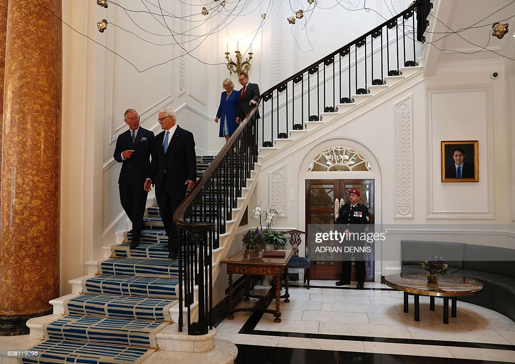 Britain's Prince Charles, Prince of Wales (L) walks with Canada's High Commissioner to the United Kingdon, Gordon Campbell (2L), as they tour the recently refurbished Canada House in central London on May 4, 2016. Prince Charles and his wife The Duchess of Cornwall viewed the recent restoration work of Canada House. The High Commission of Canada is one of the country's largest overseas missions. / AFP / ADRIAN