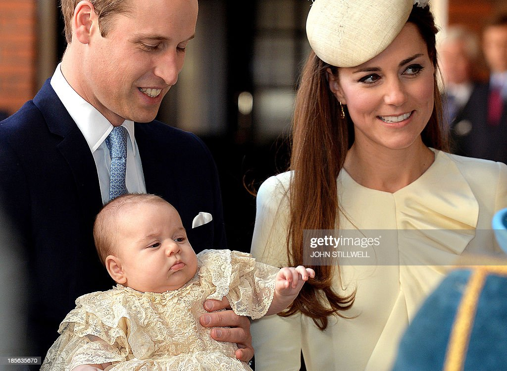 Britain's Prince William, Duke of Cambridge and his wife Catherine, Duchess of Cambridge, arrive with their son Prince George of Cambridge at Chapel Royal in St James's Palace in central London on October 23, 2013, ahead of the christening of the three month-old prince. Prince William and his wife Catherine gather close friends and family on Wednesday for the christening of their baby son Prince George, in a low-key ceremony far removed from the global hype surrounding their wedding. AFP PHOTO/POOL/JOHN STILLWELL
