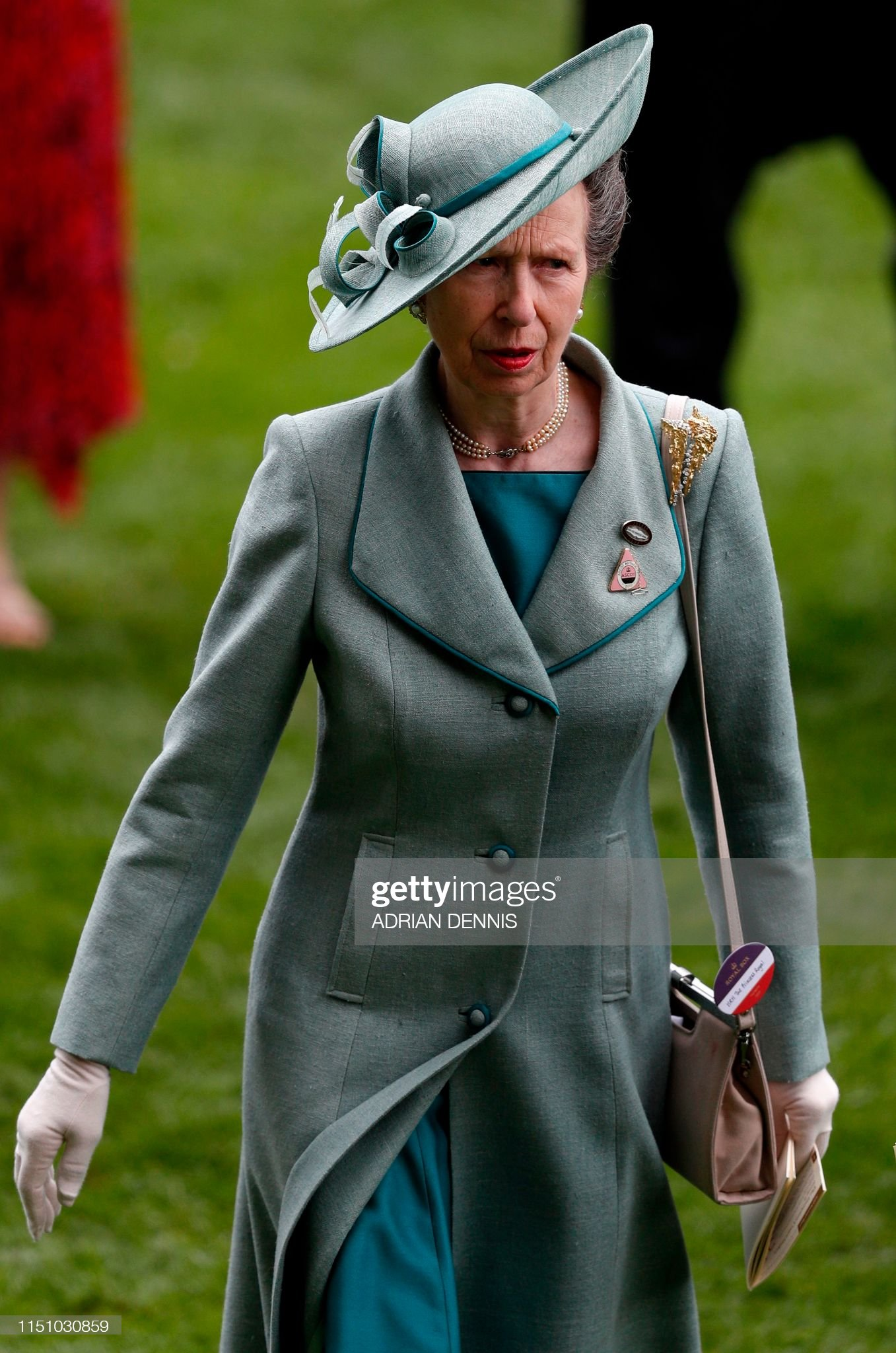 Royal Jewels of the World Message Board: Re: Ascot - Day 3