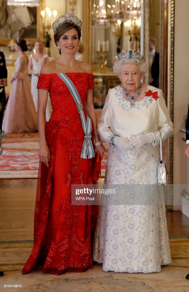 Britain's Queen Elizabeth II and Queen Letizia of Spain pose for a group photograph before a State Banquet at Buckingham Palace on July 12, 2017 in London, England. This is the first state visit by the current King Felipe and Queen Letizia, the last being in 1986 with King Juan Carlos and Queen Sofia.