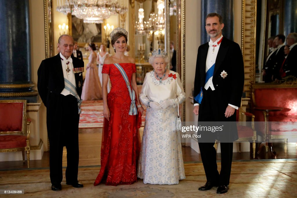 Britain's Queen Elizabeth II, her husband Prince Philip, Duke of Edinburgh, King Felipe VI of Spain and Queen Letizia of Spain pose for a group photograph before a State Banquet at Buckingham Palace on July 12, 2017 in London, England. This is the first state visit by the current King Felipe and Queen Letizia, the last being in 1986 with King Juan Carlos and Queen Sofia.