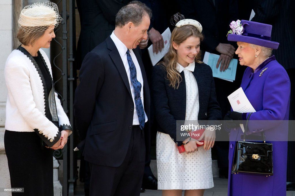 Britain's Queen Elizabeth II speaks to (L-R) Serena Armstrong-Jones, David Armstrong-Jones and Margarita Armstrong-Jones as they leave a Service of Thanksgiving for the life and work of Lord Snowdon at Westminster Abbey on April 7, 2017 in London, United Kingdom.