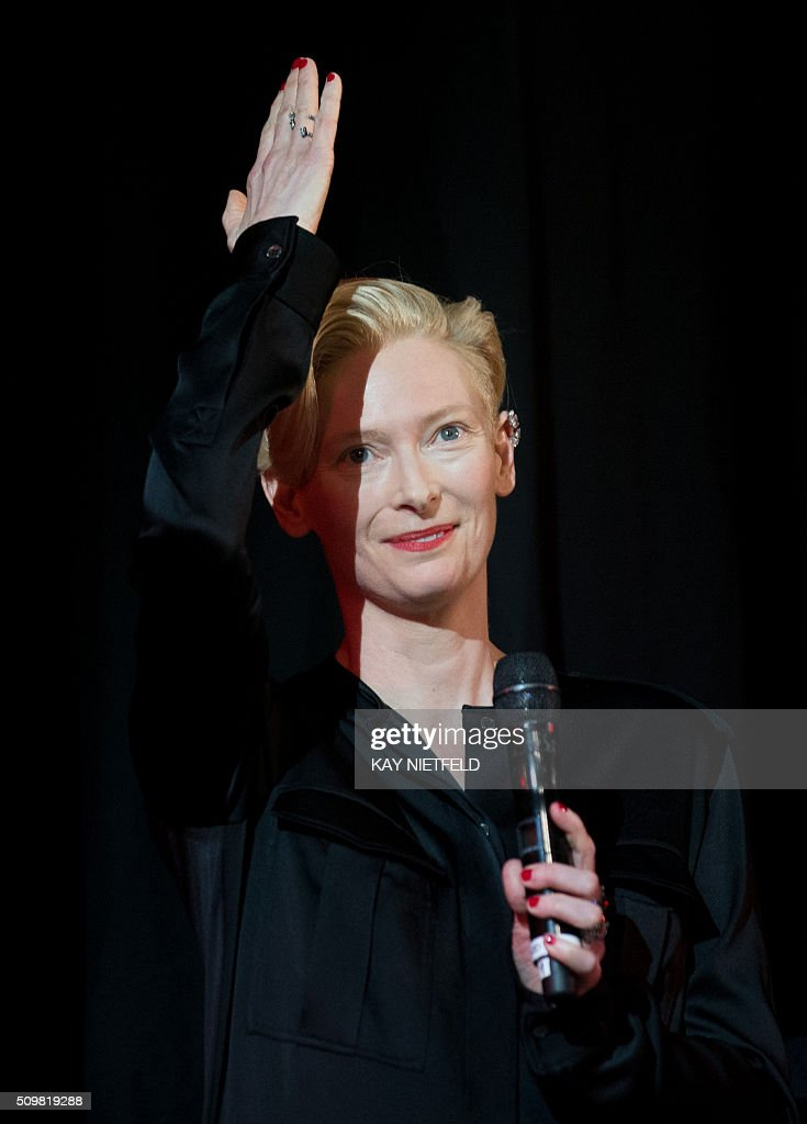 British actess Tilda Swinton speaks during the 'Tribute to David Bowie: The Man Who Fell to Earth' screening event on the sidelines of the Berlinale film festival inBerlin on February 12, 2016. / AFP / dpa / Kay Nietfeld / Germany OUT