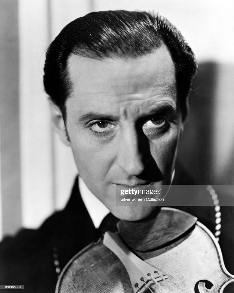 British actor <a gi-track='captionPersonalityLinkClicked' href=/galleries/search?phrase=Basil+Rathbone&family=editorial&specificpeople=93122 ng-click='$event.stopPropagation()'>Basil Rathbone</a> (1892 - 1967), as Sherlock Holmes, in a promotional portrait for one of the fourteen films in which he played the role, circa 1942.