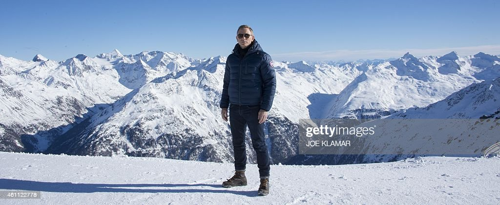 British actor Daniel Craig poses in front of a Tyrolean Alps panorama during a photo call of the new James Bond film 'SPECTRE' in the Austrian ski...