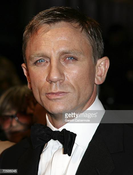 British actor Daniel Craig who plays James Bond in 'Casino Royale'attends the Royal Premiere for the 21st James Bond film 'Casino Royale' at the...