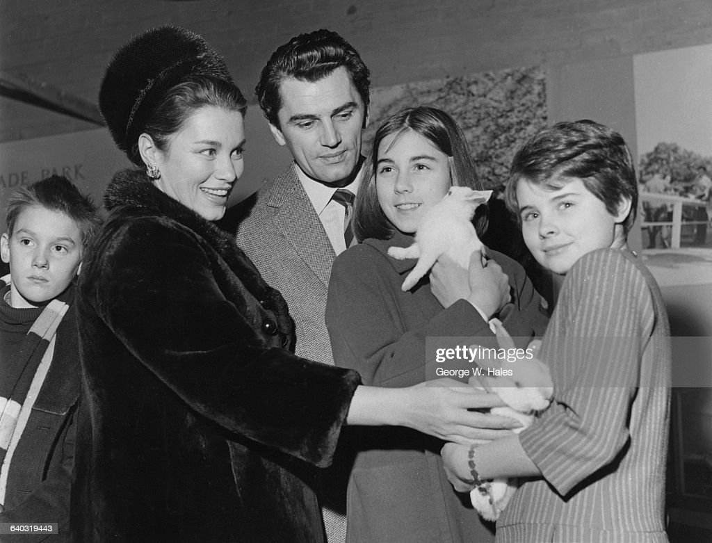 British actor Edmund Purdom with his exwife actress Linda Christian and her daughters Romina and Taryn at the Schoolboys and Girls Exhibition at...
