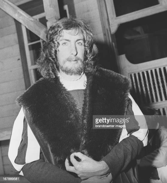 British actor Eric Idle on the set for >Monty Python's Fliegender Zirkus Bloedeln für Deutschland< Munich 1971 Photograph by LeoHeinz Hajek Der...