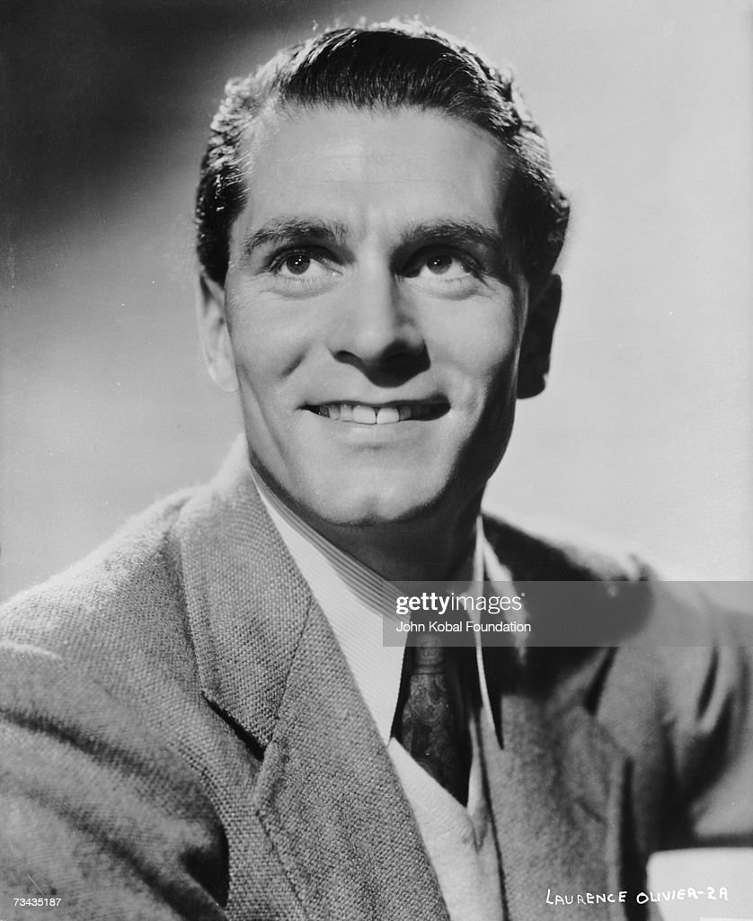 British actor <a gi-track='captionPersonalityLinkClicked' href=/galleries/search?phrase=Laurence+Olivier&family=editorial&specificpeople=80991 ng-click='$event.stopPropagation()'>Laurence Olivier</a> (1907 - 1989), circa 1950.