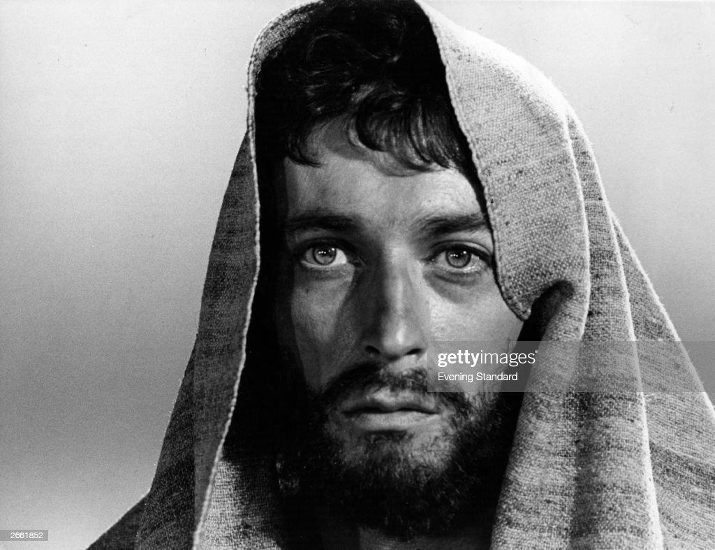 British actor Robert Powell playing Jesus Christ in Franco Zeffirelli's made for television film 'Jesus of Nazareth'