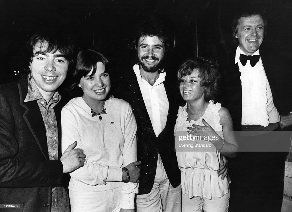 British actress and singer Elaine Paige, fourth from the left, linking arms with David Essex, her co-star in the musical 'Evita', 14th June 1978. Tim Rice is on her right and Andrew and Sarah Lloyd-Webber (nee Hugill) are on her left. Original Publication: People Disc - HN0269