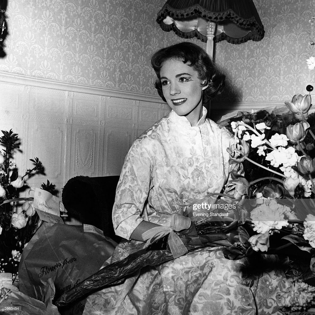Torn curtain julie andrews - British Actress And Singer Julie Andrews Surrounded By Bouquets Of Flowers Original Publication People