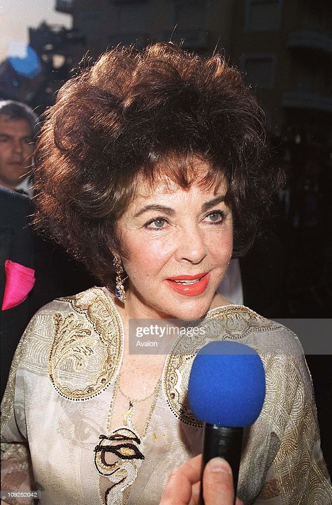 British Actress Dame <a gi-track='captionPersonalityLinkClicked' href=/galleries/search?phrase=Elizabeth+Taylor&family=editorial&specificpeople=69995 ng-click='$event.stopPropagation()'>Elizabeth Taylor</a> Hosting the Aids 2000 Victoria's Secrets Fashion Show during the 2000 Cannes Film Festival, .