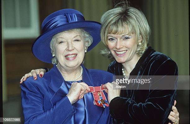 British Actress June Whitfield Obe With her daughter SUZY AITCHISONPictured outside Buckingham Palace after receiving her OBE