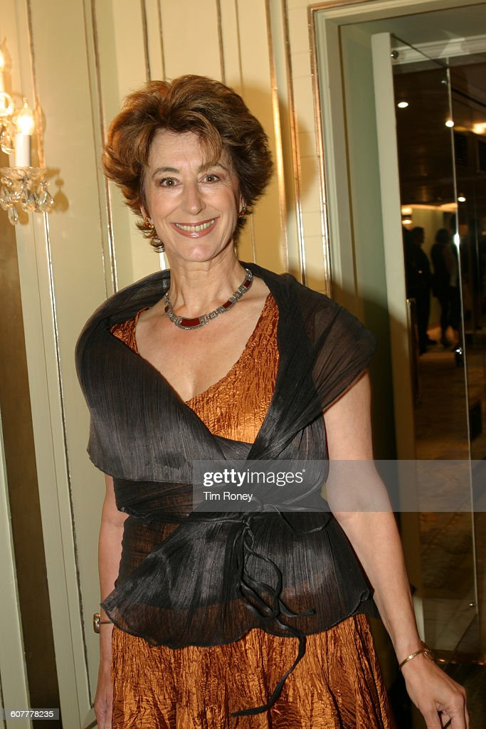 British actress Maureen Lipman, circa 1995.