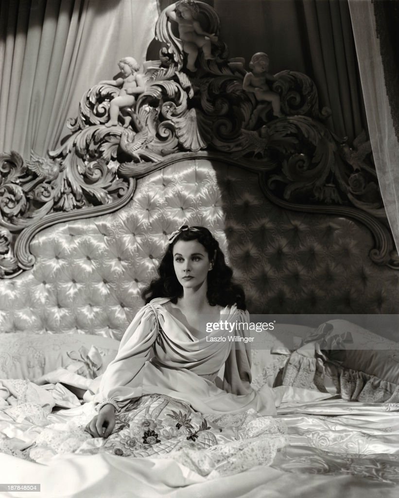 British actress Vivien Leigh (1913 - 1967) as Emma, Lady Hamilton, in a publicity stiil for 'That Hamilton Woman', directed by Alexander Korda, 1941.