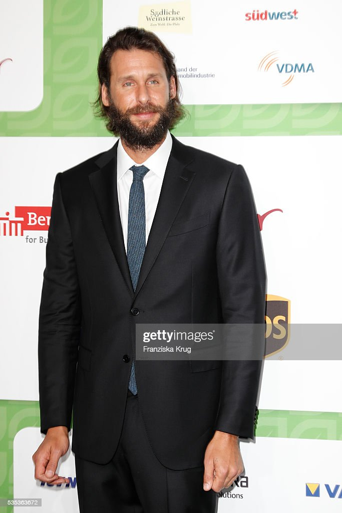 British adventurer, ecologist, and environmentalist <a gi-track='captionPersonalityLinkClicked' href=/galleries/search?phrase=David+Mayer+de+Rothschild+-+Ambientalista&family=editorial&specificpeople=216325 ng-click='$event.stopPropagation()'>David Mayer de Rothschild</a> attends the Green Tec Award at ICM Munich on May 29, 2016 in Munich, Germany.