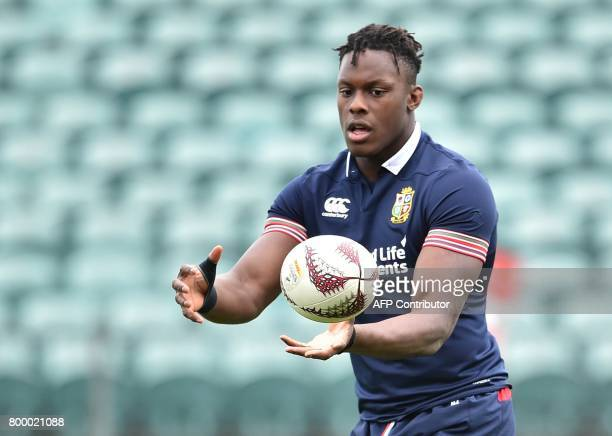 British and Irish Lions player Maro Itoje takes part in the captain's run ahead of the first rugby Test in Auckland on June 23 2017 The British and...