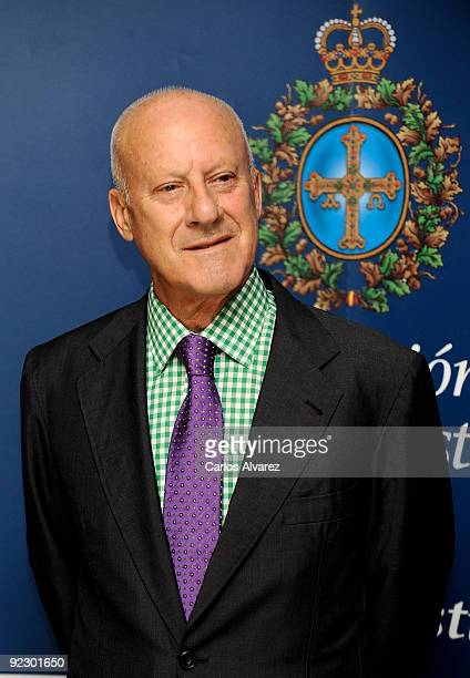 British architect Sir Norman Foster attends a press conference during Prince of Asturias Awards 2009 at Hotel Reconquista on October 23 2009 in...