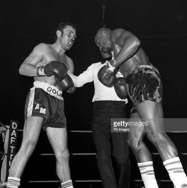 British boxer Alan Minter is stopped in the third round by referee Carlos Berrocal during his 1980 World middleweight Championship fight against...