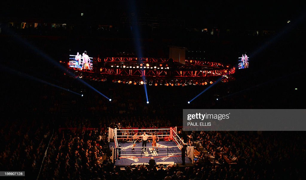 British boxer Ricky Hatton (R) fights in the welterweight boxing match against Ukranian Vyacheslav Senchenko at The Manchester Arena in Manchester, north-west England, on November 24, 2012. AFP PHOTO/PAUL ELLIS