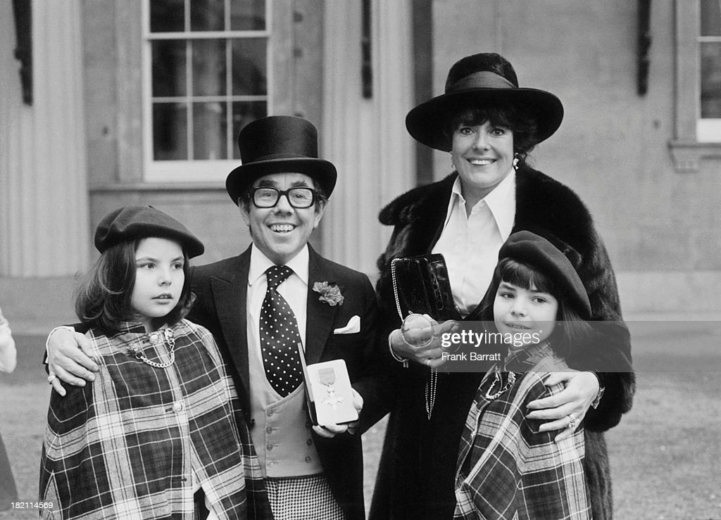 British comedian Ronnie Corbett and wife British actress and dancer Anne Hart pose with their two children Emma and Sophie The family are at...