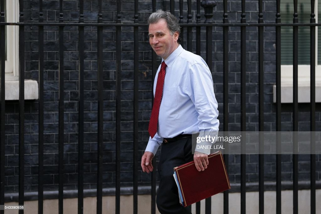 British Conservative MP arrives in Downing Street in central London on June 28, 2016. EU leaders attempted to rescue the European project and Prime Minister David Cameron sought to calm fears over Britain's vote to leave the bloc as ratings agencies downgraded the country. Britain has been pitched into uncertainty by the June 23 referendum result, with Cameron announcing his resignation, the economy facing a string of shocks and Scotland making a fresh threat to break away. / AFP / Daniel Leal-Olivas