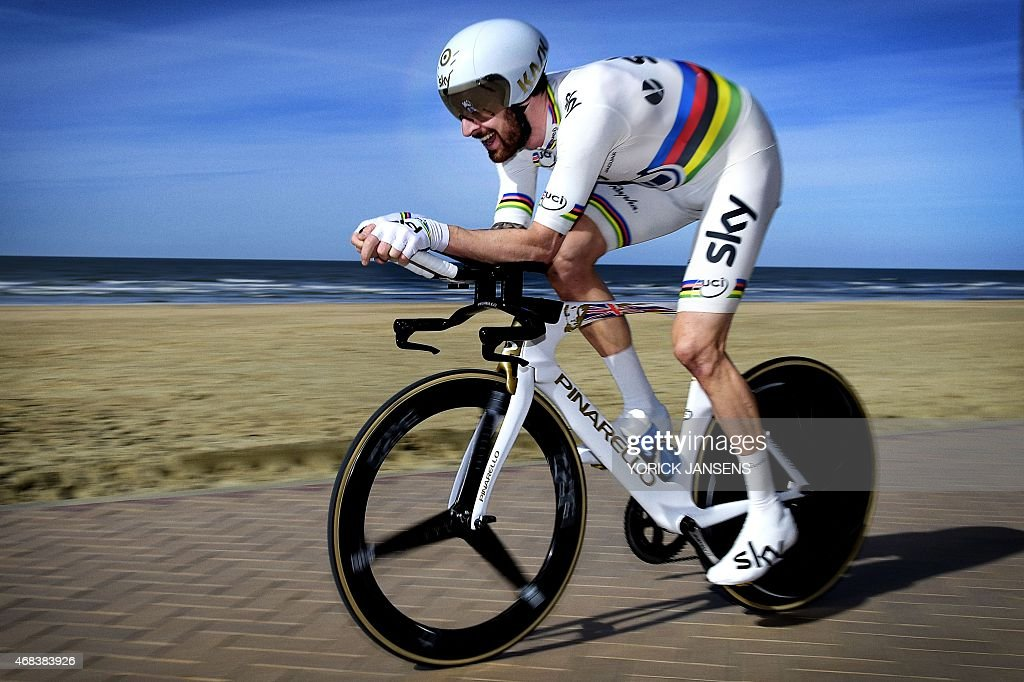 British cyclist <a gi-track='captionPersonalityLinkClicked' href=/galleries/search?phrase=Bradley+Wiggins&family=editorial&specificpeople=182490 ng-click='$event.stopPropagation()'>Bradley Wiggins</a> of Team Sky competes in the second part of the third and final stage of the Three Days of De Panne - Koksijde cycling race, a 14,2km time trial in De Panne, on April 2, 2015. AFP PHOTO / BELGA / YORICK JANSENS