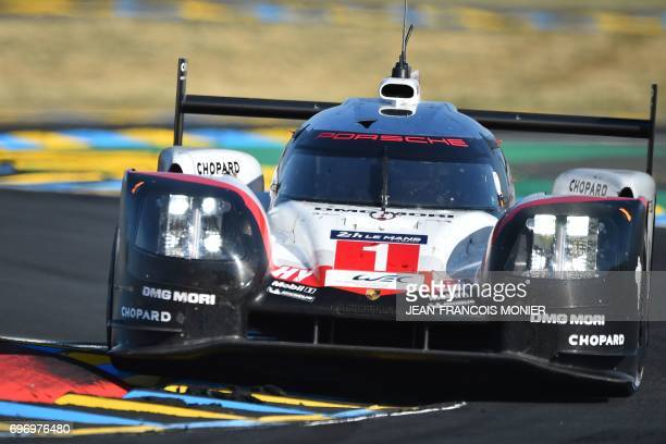 British driver Nick Tandy competes on his Porsche 919 Hybrid N°1 during the 85th Le Mans 24hours endurance race on June 17 2017 in Le Mans western...