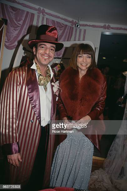 British fashion designer John Galliano and English editorinchief of American Vogue Anna Wintour attend a party at Bergdorf Goodman New York City...