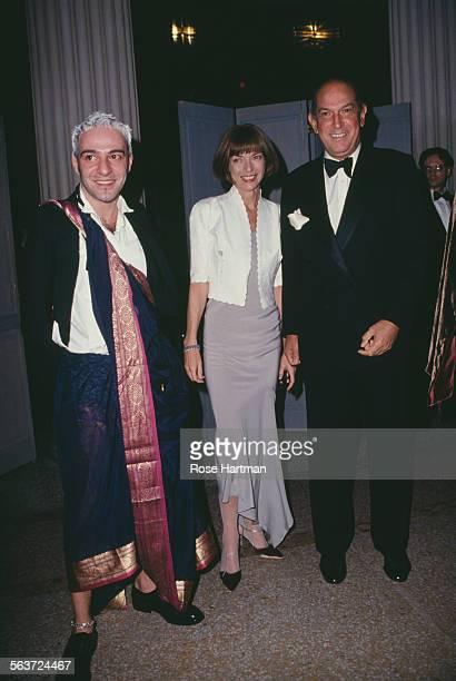 British fashion designer John Galliano English editorinchief of American Vogue Anna Wintour and Dominican American fashion designer Oscar de la Renta...