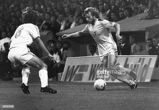 British footballer Steve Archibald in action for Tottenham Hotdspur against Crystal Palace