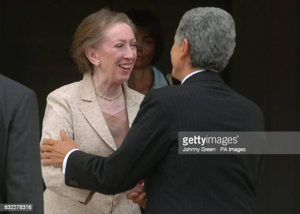British Foreign Secretary Margaret Beckett greets her Italian counterpart Massimo D'Alema on the steps of her government residence Chevening House in...