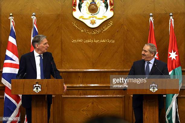 British Foreign Secretary Philip Hammond speaks during a joint press conference with his Jordanian counterpart Nasser Judeh on February 1 2016 in...