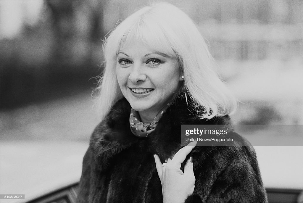 Mandy rice davies became involved along with christine keeler in the