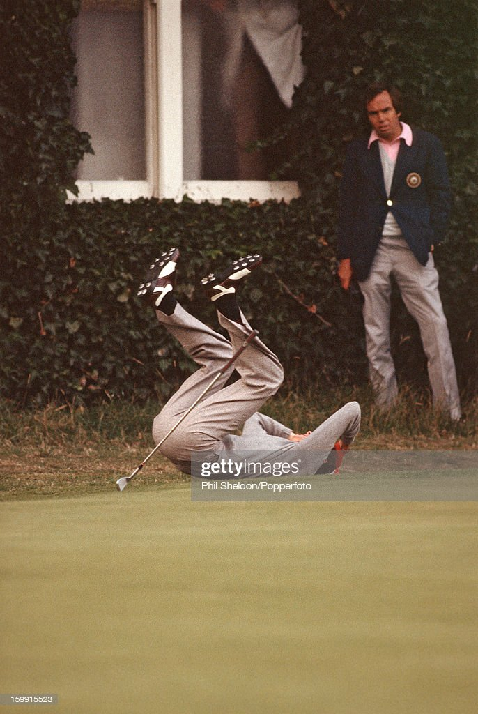 British golfer Ken Brown reacts after missing a putt on the 18th during the Ryder Cup golf competition held at Lytham St Annes Golf Club in Lytham St...