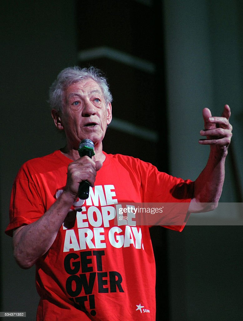 British Hollywood actor Sir Ian McKellen speaks onstage during the 'Kashish Mumbai International Queer Film Festival 2016', South Asia's biggest LGBT film festival in the Indian city of Mumbai on late May 25, 2016. / AFP / STR