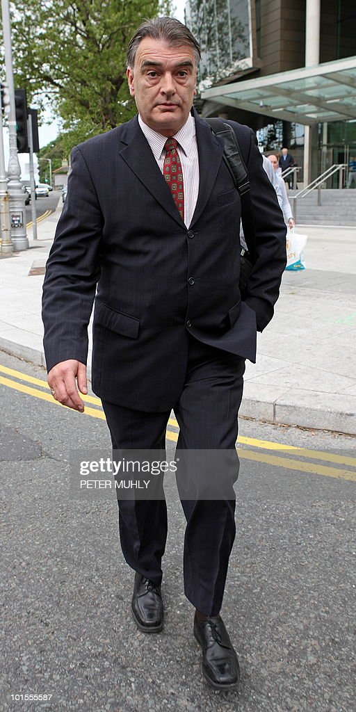 British journalist Ian Bailey leaves after attending a hearing at the Criminal Courts of Justice in Dublin, on June 2, 2010. An attempt by French authorities to extradite Bailey, who is wanted for questioning over the 1996 murder of Sophie Toscan du Plantier, has been adjourned until later this year. AFP PHOTO/Peter Muhly