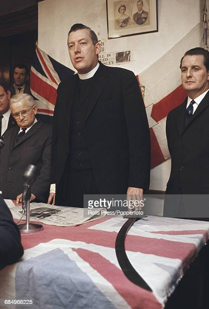 British loyalist politician religious leader and leader of the Protestant Unionist Party Ian Paisley pictured at a press conference after failing to...