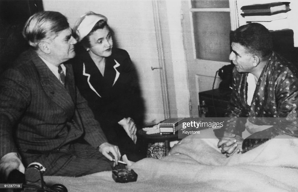 British Minister of Health Aneurin Bevan and his wife Jennie Lee pay a hospital visit circa 1950
