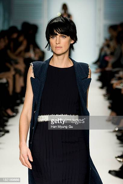 British model Stella Tennant presents the 2011/12 Cruse Collection by Chanel at AXKorea on November 10 2011 in Seoul South Korea Models strutted down...